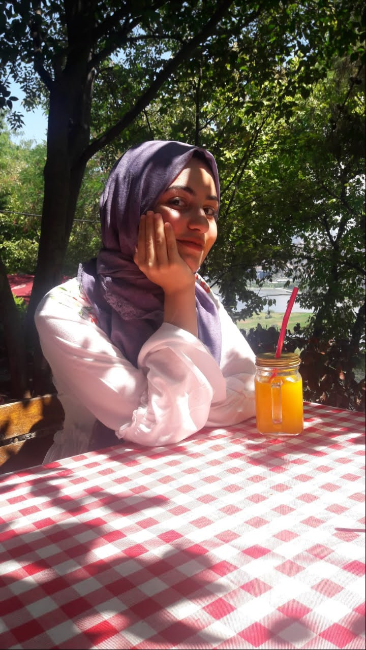 Rabia Yalmanoğlu